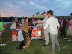 Yarışmacılarımız kupa ve ödüllerini alırken